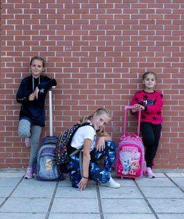 girls-evita-small-banner-papillonkids.jpg